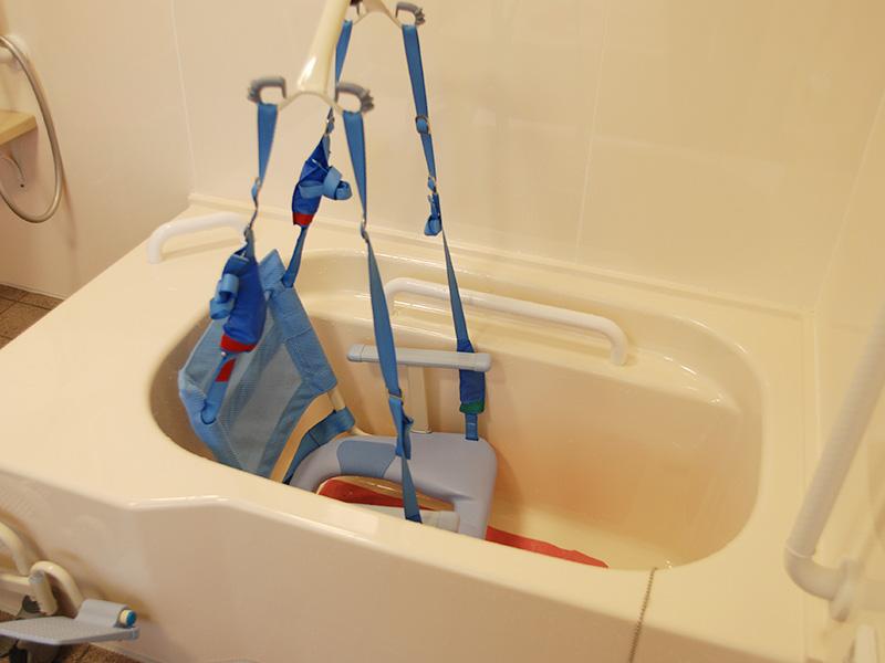 車いすでも入浴可能な浴槽