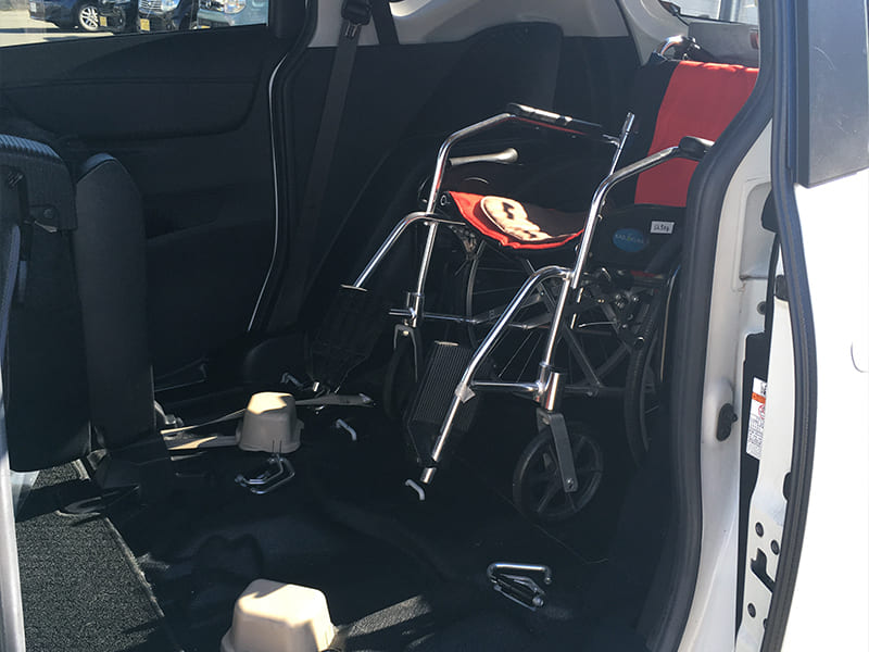 広々車内。多様な車いすに対応